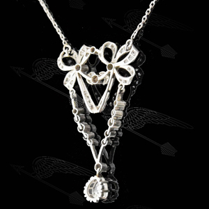 ribbon-diamond-necklace-watermark15.jpg