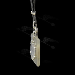 rockkrisutal-necklace-watermark-9.jpg